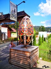 Spre Muzeul Ouălor Încondeiate Lucia Condrea