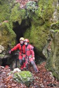 Intrare cu Bedeleu Adventure în peșteră