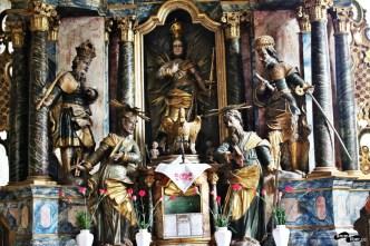 Statui din altarul principal