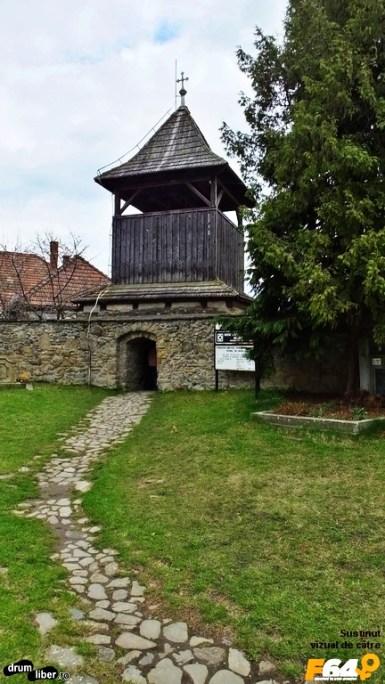 Spre turnul clopotniță