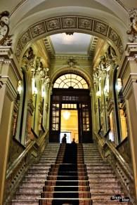 Intrarea în Palatul Cercului Militar Național