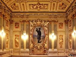 La Scara de Onoare din Palatul Cercului Militar Național