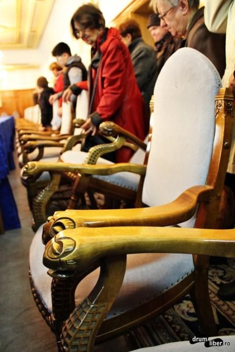 Mânere de scaune cu capete de broască țestoasă