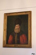 În interior vedem tablourile membrilor familiei Golescu