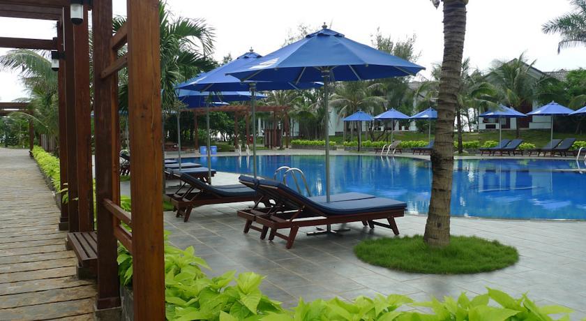 Carmelina Beach Resort.