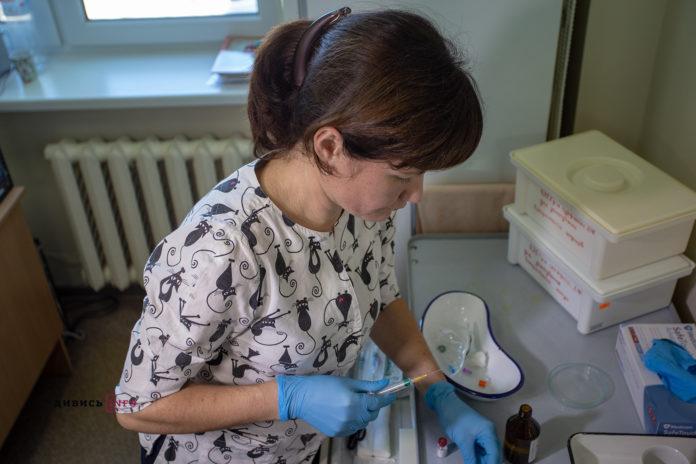 Спецоперація проти кору на Львівщині: у школах почали додаткову вакцинацію дітей (фото)