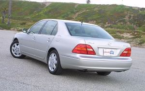 Used 2001 Lexus LS 430 for sale  Pricing & Features | Edmunds