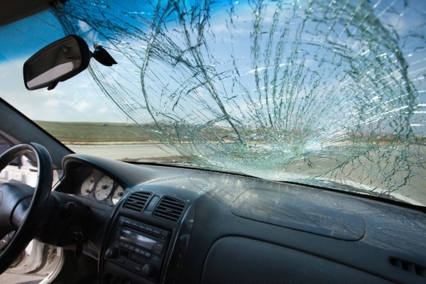 Auto windshield replacement