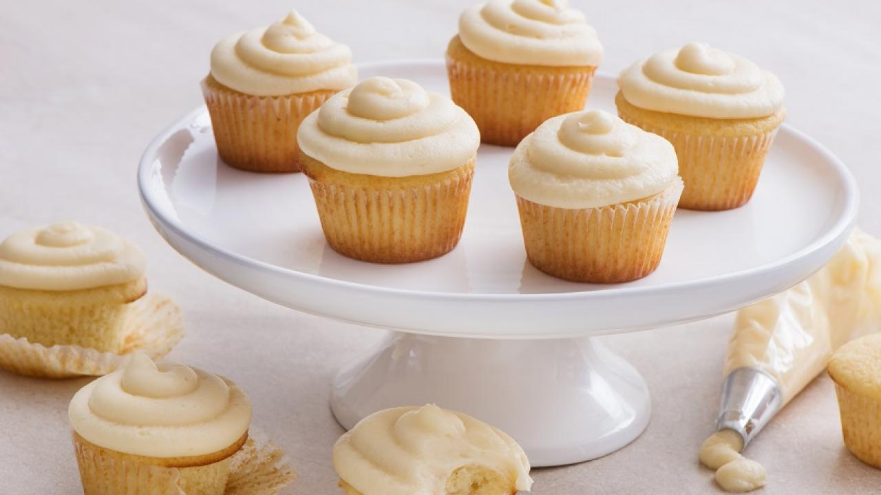 Classic Vanilla Cupcakes Recipe