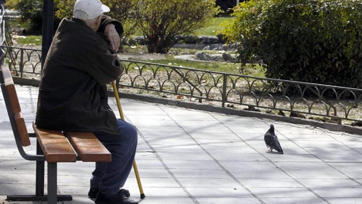 FT: Οι Γερμανοί τραπεζίτες έφταιγαν για την κρίση και όχι οι Έλληνες συνταξιούχοι