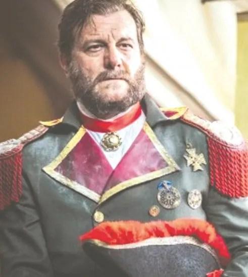Algunos internautas cuestionan que no eligieran a un actor paraguayo para este papel.