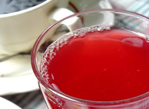 Blandsaft med körsbär, vinbär och rabarber