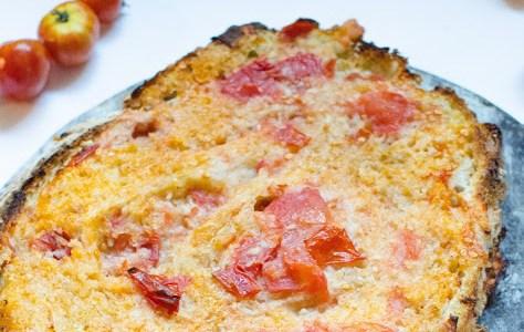Bröd med tomat