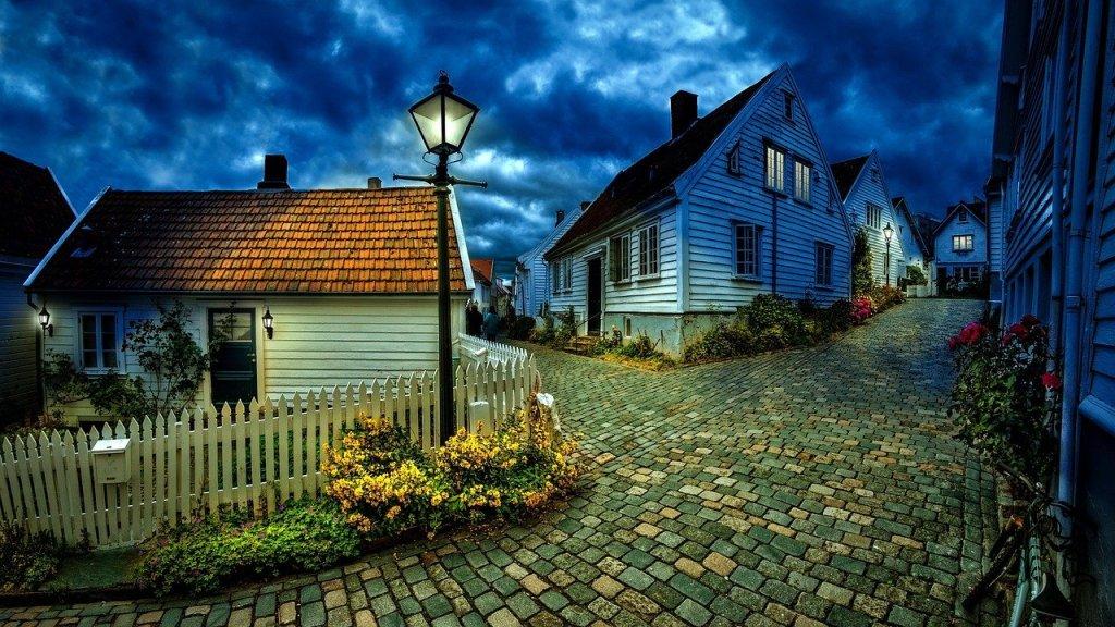 little houses trending