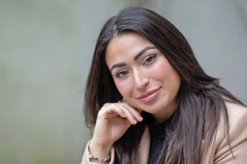 https www flaironline nl celebs lale gul ik wil dat andere moslimas weten dat ze er niet alleen voor staan