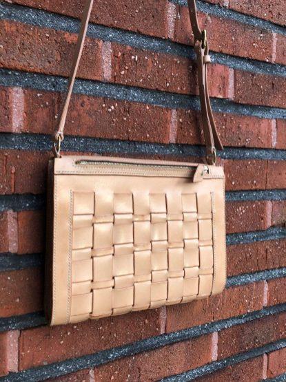 Flätad handväska