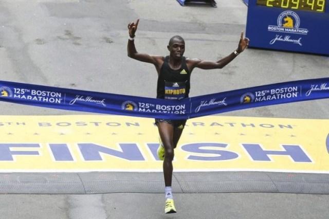 Atletismo: Queniano Benson Kipruto vence 125.ª edição da maratona de Boston