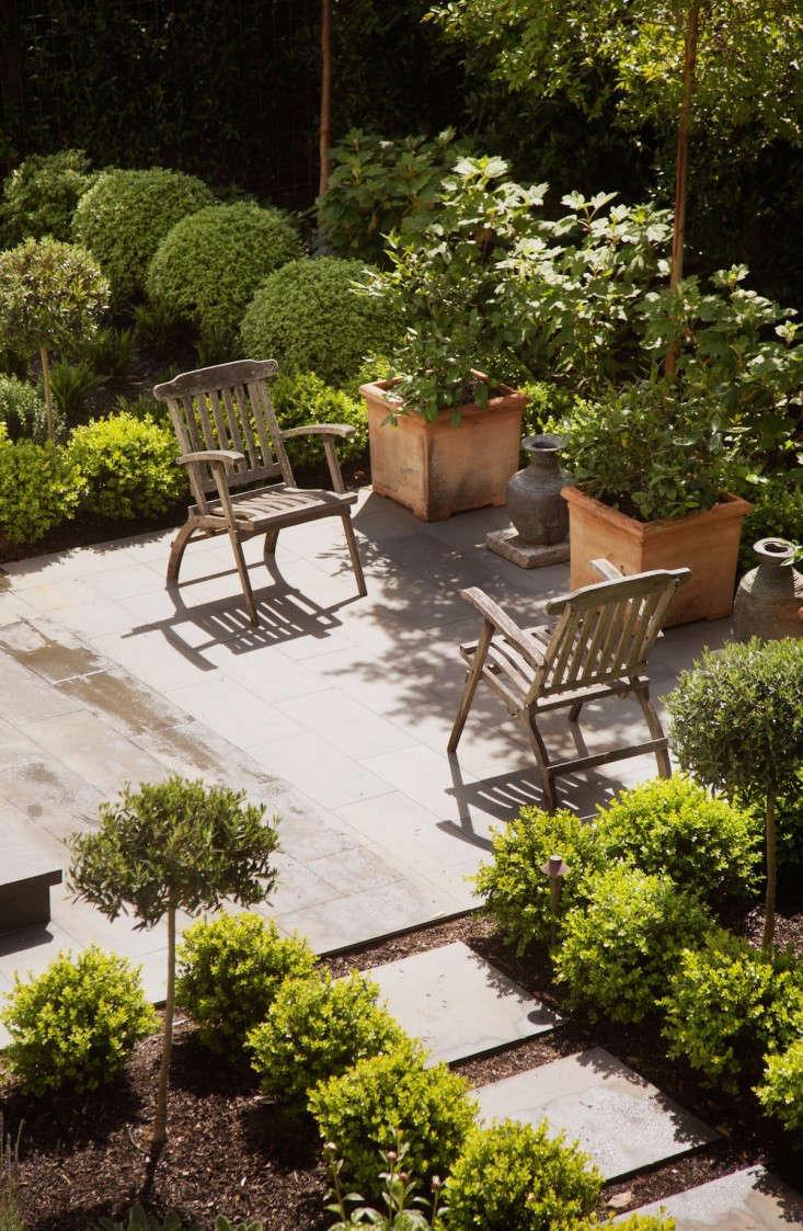 low cost luxe 9 pea gravel patio ideas
