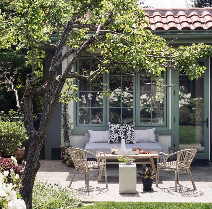 steps to create an outdoor room