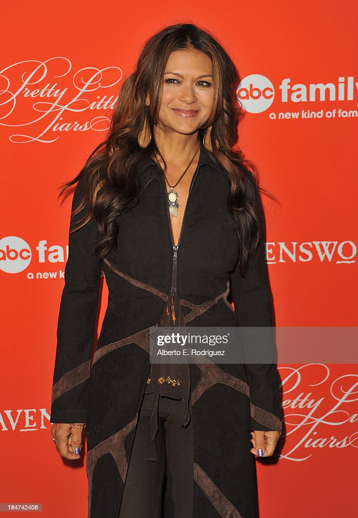 Nia Peeples Pretty Little Liars Stock Photos And Pictures