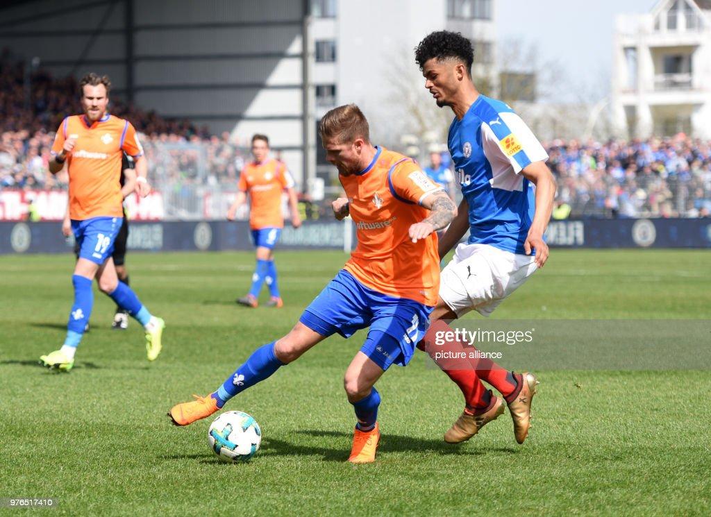 https www gettyimages com detail news photo april 2018 germany kiel soccer 2nd bundesliga holstein kiel news photo 976517410