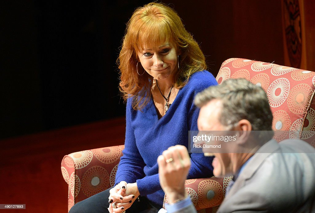 Reba Mcentire Stock Photos and Pictures | Getty Images