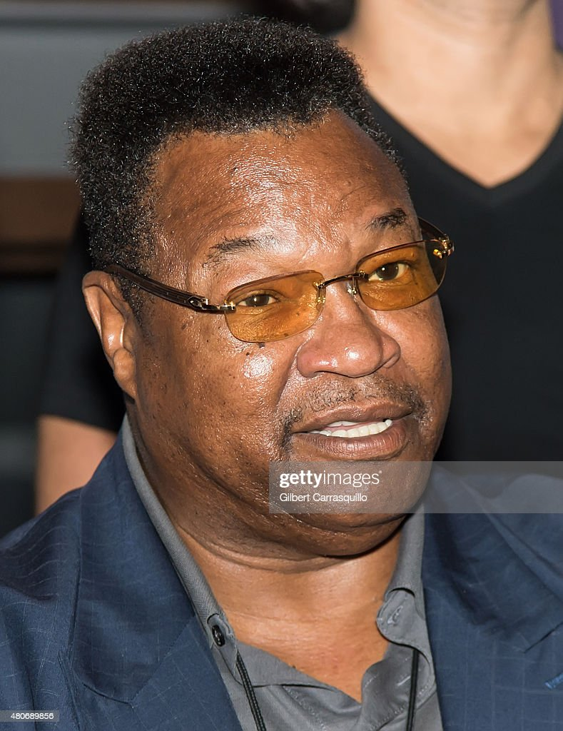 Larry Holmes Stock Photos and Pictures | Getty Images