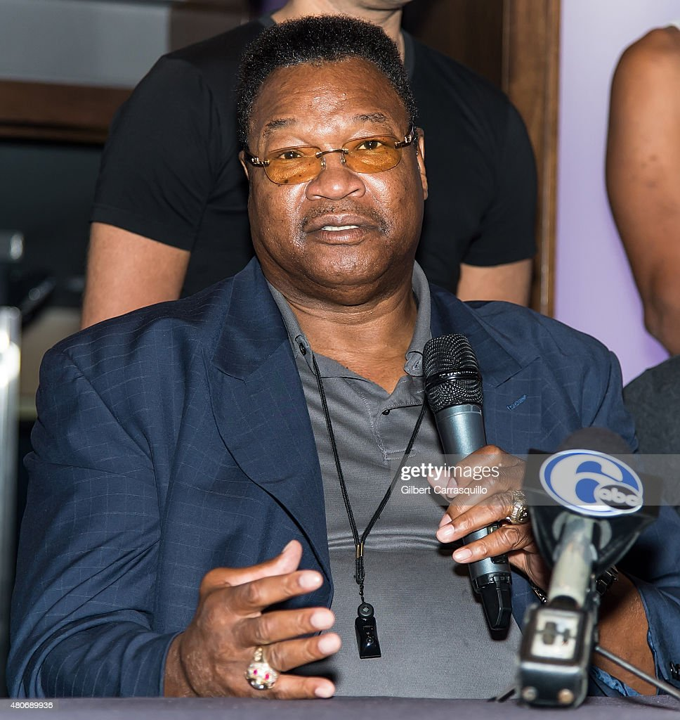Larry Holmes Fan Meet And Greet Photos and Images | Getty ...