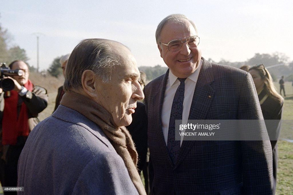Francois Mitterrand;Helmut Kohl Photos et images de ...