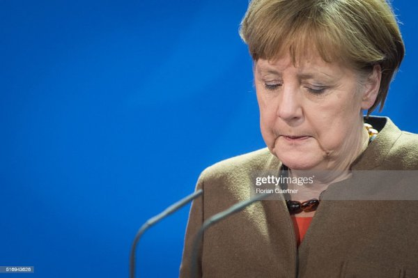 Merkel Gives Statement Following Brussels Terror Attacks ...