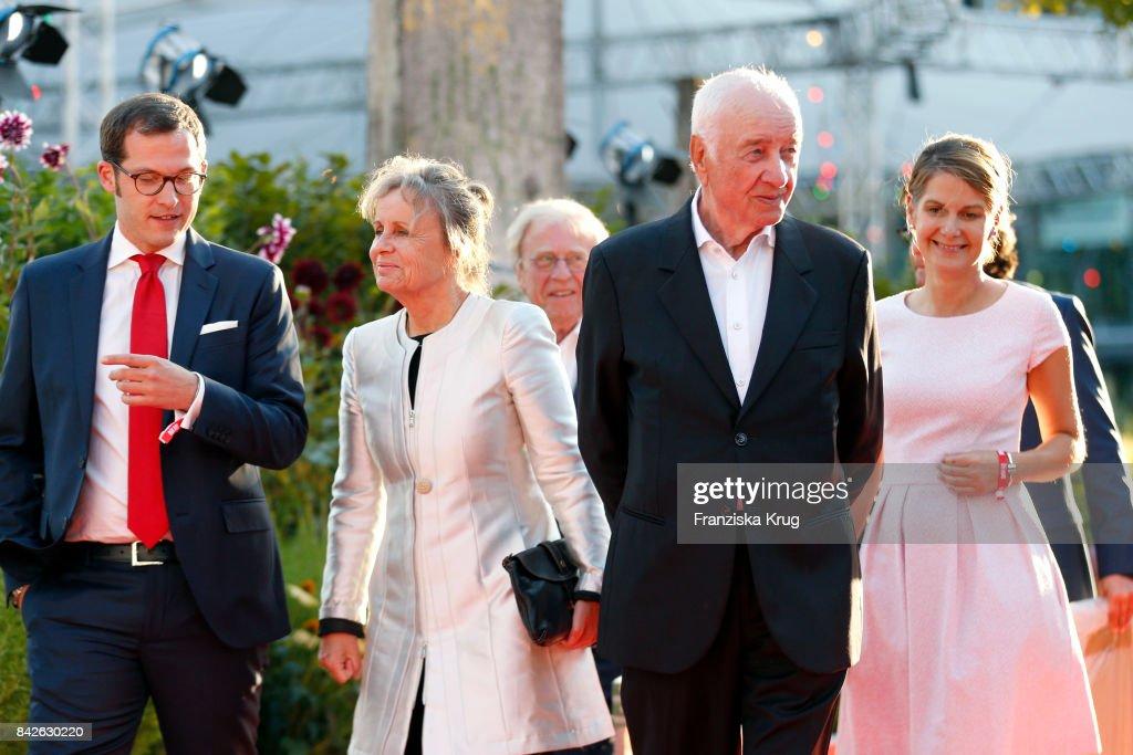 https www gettyimages ch detail nachrichtenfoto julian reichelt armin mueller stahl his wife gabriele nachrichtenfoto 842630220