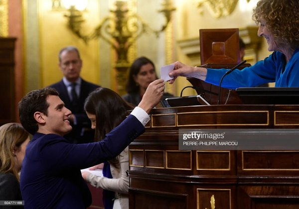Spanish Congress Holds Its Inaugural Meeting After General ...
