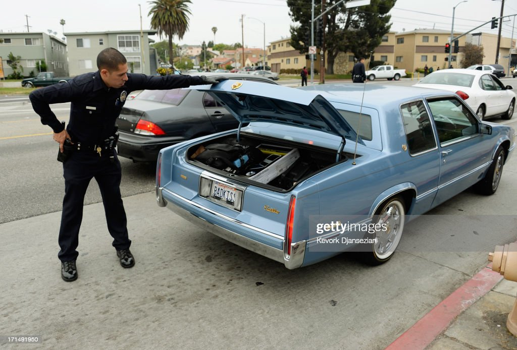 Manhunt Underway In Los Angeles After Shots Fired At Two ...