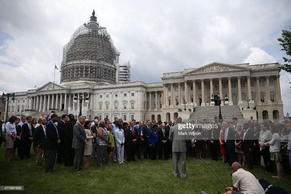 Members Of Congress Hold Prayer Circle For Charleston ...