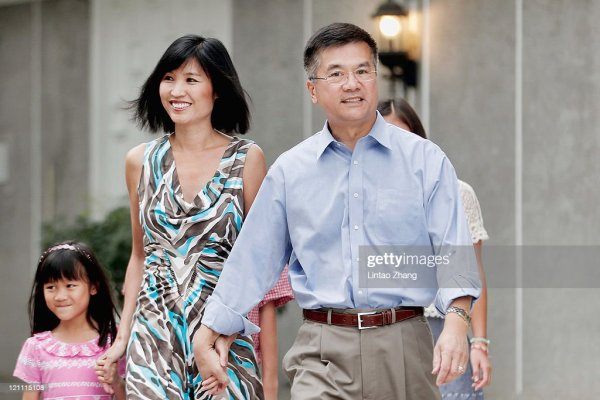 New U.S. Ambassador to China, Gary Locke and his family ...