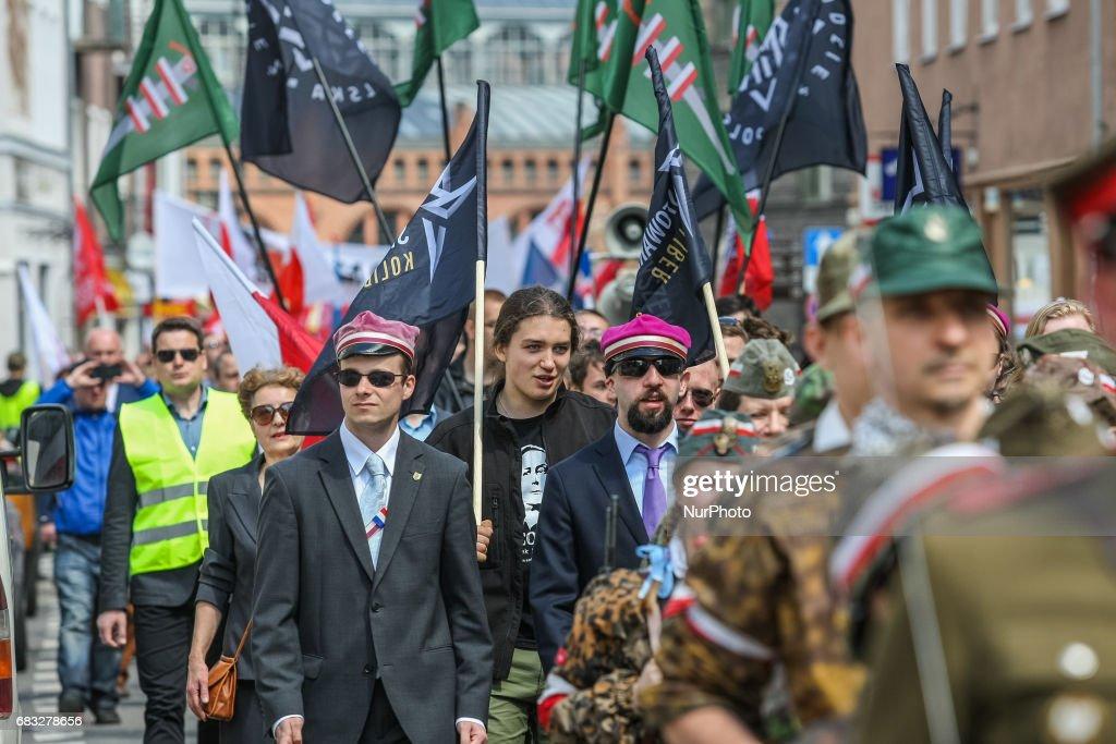 Fotos e imagens de Far-right organizations celebrate ...