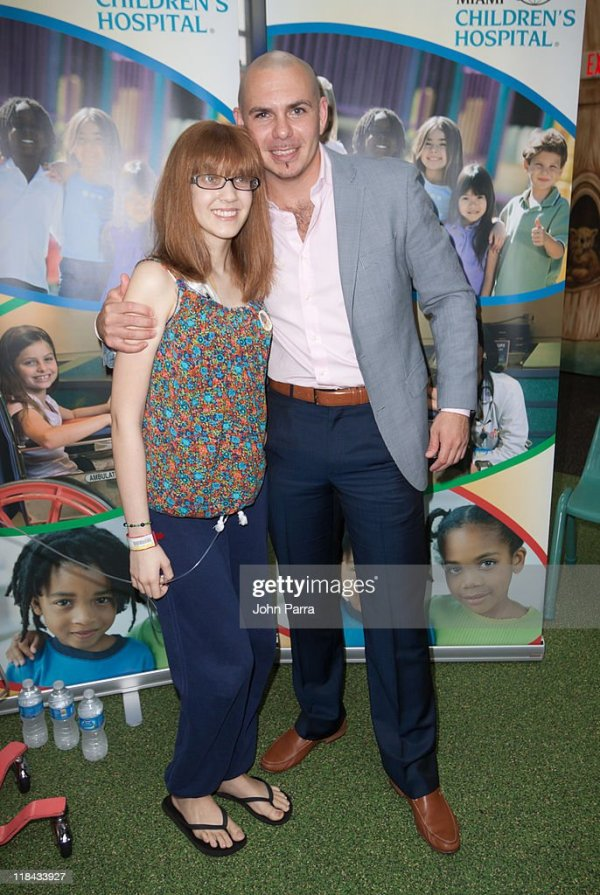 Pitbull Visits Miami Childrens Hospital On The Get Well ...