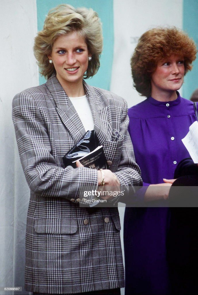 Diana Sarah Sisters Pictures   Getty Images