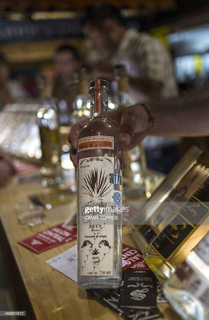 Mezcal Bebida Fotografas E Imgenes De Stock Getty Images