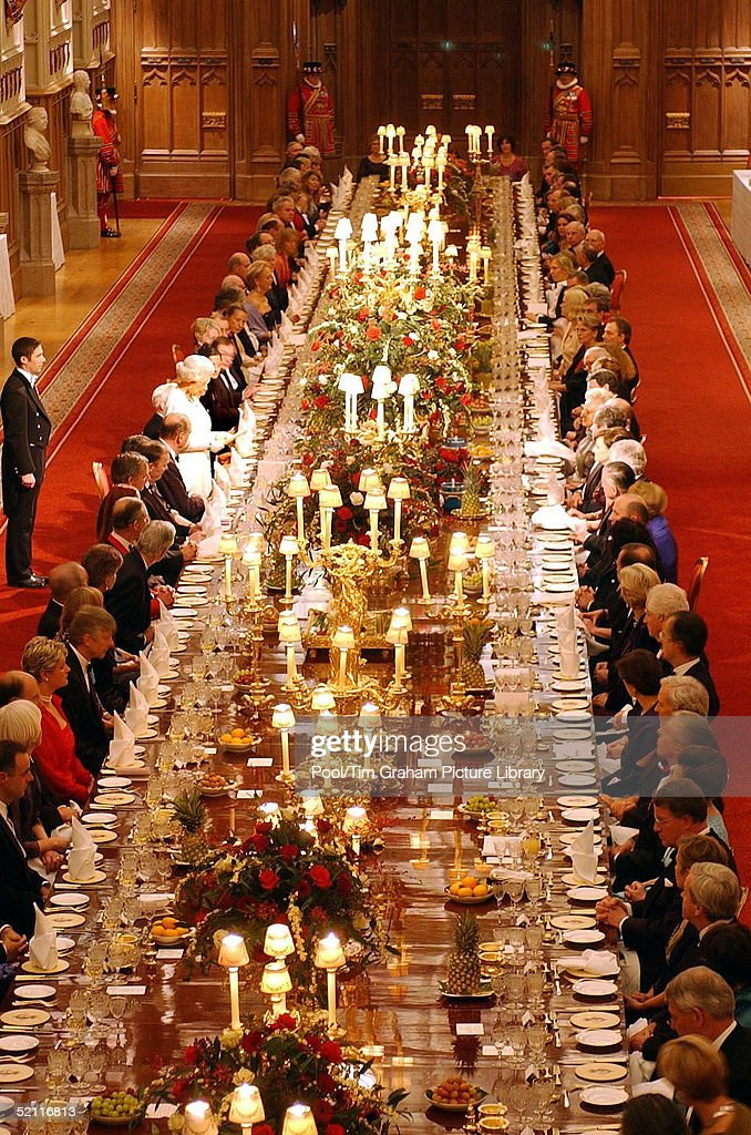 Queen Elizabeth Ii Addresses Guests At A State Banquet