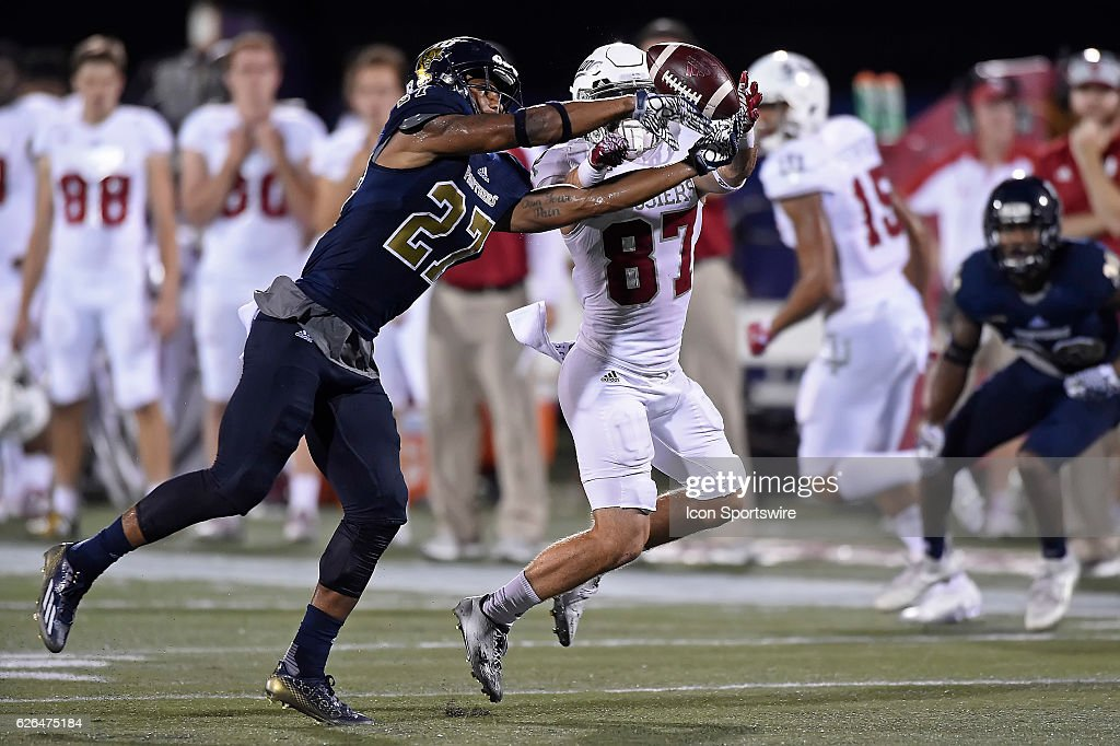 Fiu Football Stock Photos and Pictures | Getty Images