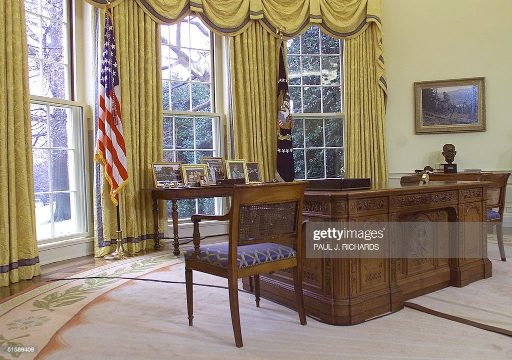 Trump Redecorated Oval Office