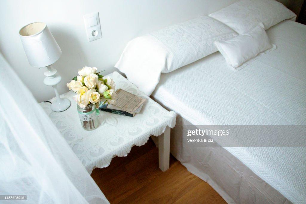 La decisione su come arredare un hotel è influenzata dai molti stili di tendenza, in questo articolo mettiamo a confronto altri due mood: 5 230 Shabby Chic Photos And Premium High Res Pictures Getty Images