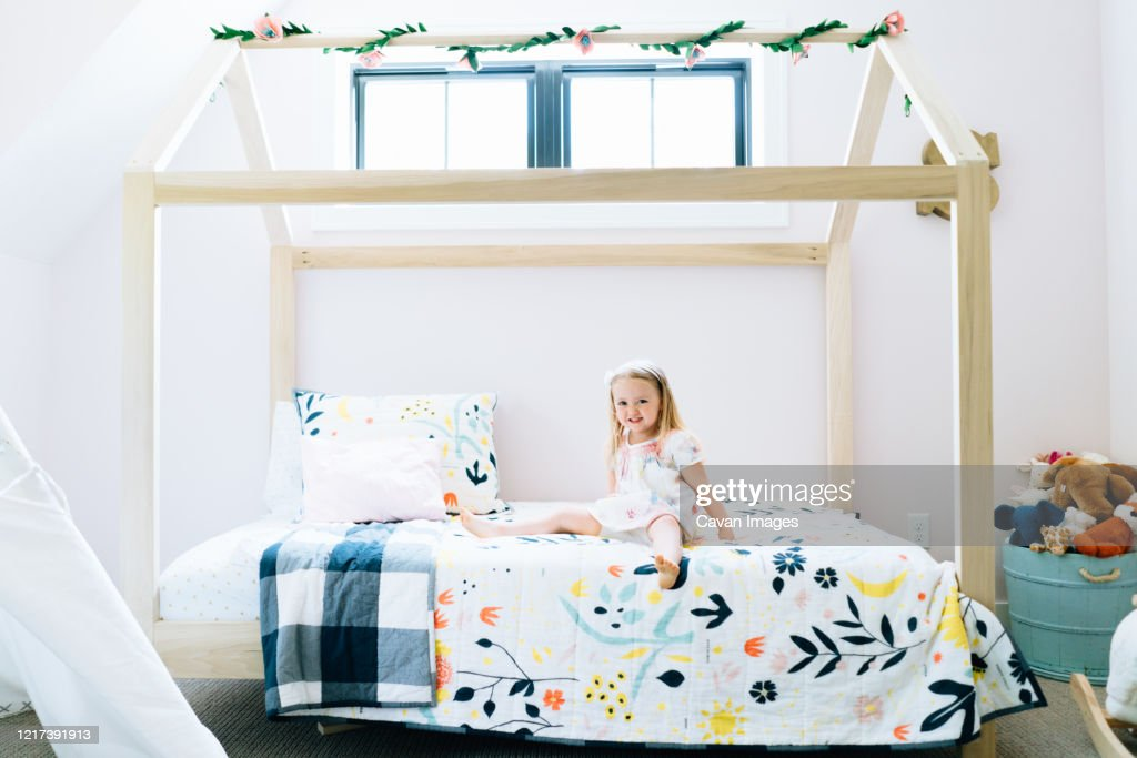 64 girls canopy bed photos and premium high res pictures getty images