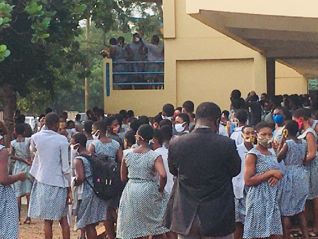 Parents Storm Accra Girls SHS To Pick Their Wards After 6 Students ...