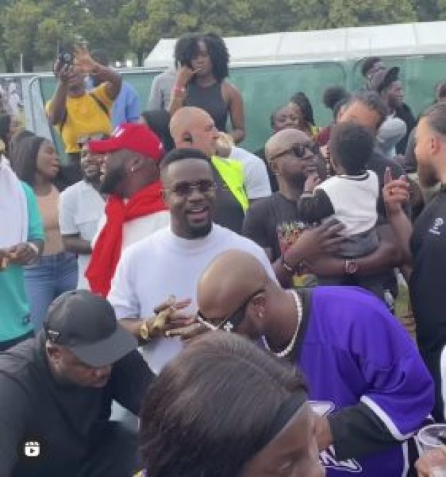 'You Are Slowly Becoming A Bad Influence On The Youth'- Fan Tells Sarkodie After Smoking Episode