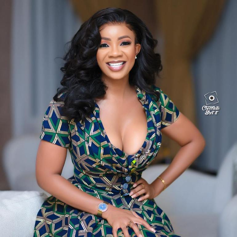 I Promise I Won't Stain Your Shirt With My Makeup'- Leaked Chats of Serwaa Amihere And Sugar Daddy Pops Up