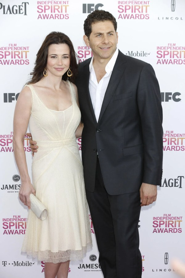 Mad Men's Linda Cardellini Is Engaged: Come Watch Her ...