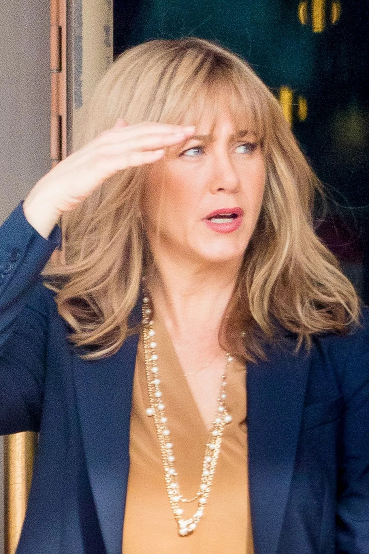 This Is What Jennifer Aniston Looks Like With a Mom Haircut