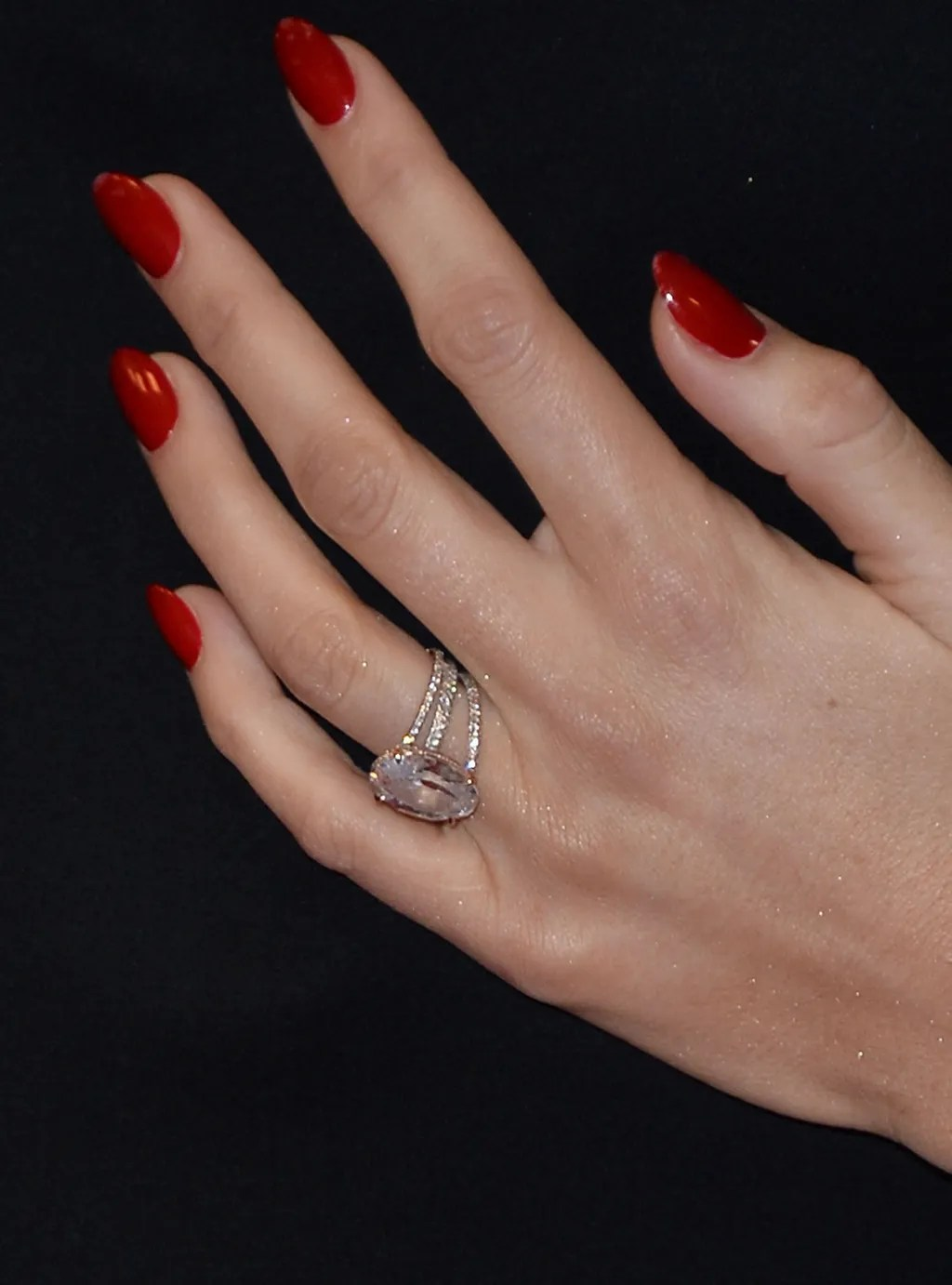 Blake Lively Engagement Ring Pictures Ryan Reynolds